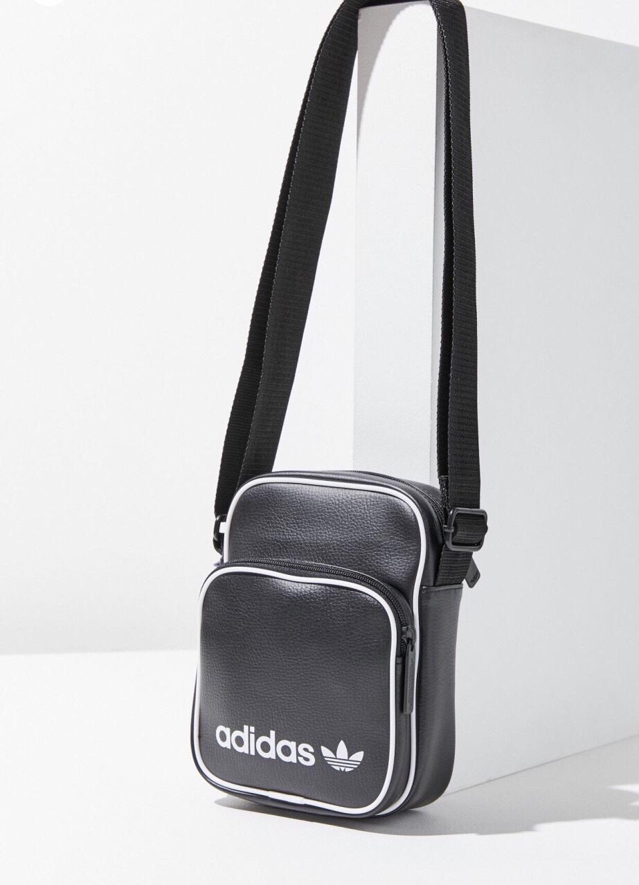Túi xách mini bag logo nhỏ màu đen